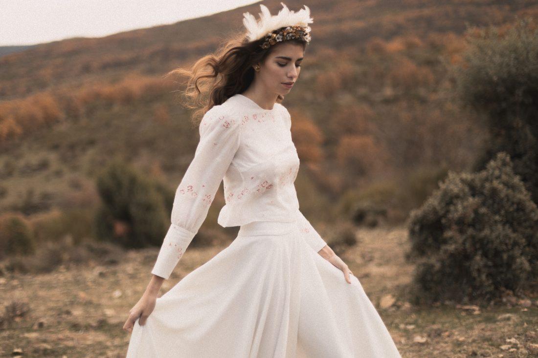 1e2d77cfc El vestido de novia con detalles de punto de cruz.